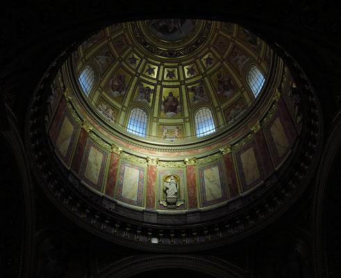 St.-Stephans-Basilika, Blick in die Kuppel