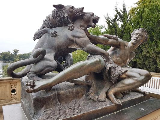 Julius Franz: Hirte, von einem Panther angefallen, Bronzeplastik 1852, Nachguss 1998 (Original verloren)
