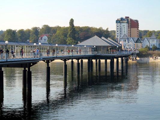 Seebrücke von Heringsdorf mit Blick zum Strand