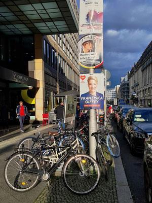 Friedrichstraße, eine der bekanntesten Straßen im historischen Zentrum von Berlin