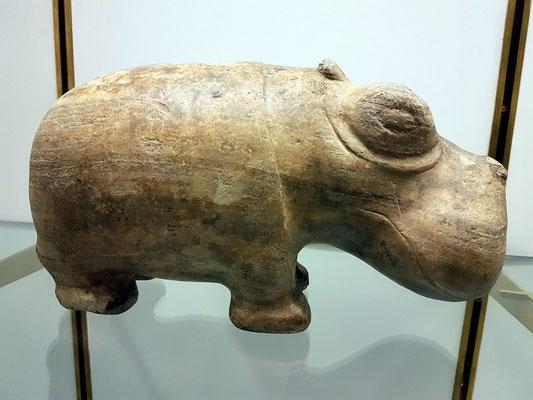 Hippopotamus, unbekannter Fundort, Calcit, archaische Periode ca. 3000 BC