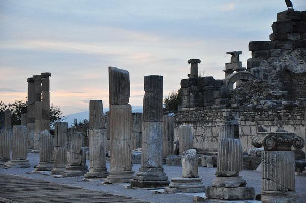 Abendstimmung in Ephesos (Basilike Stoa)