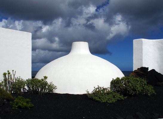 Los Jameos del Agua, Oberirdische Architektur