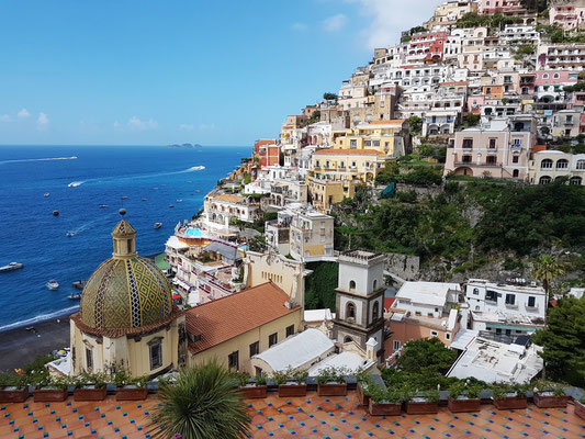 Blick vom Hotel Le Sirenuse auf Positano