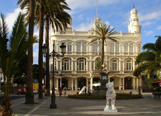 Las Palmas, Plaza Cairasco mit dem Gabinete Literario