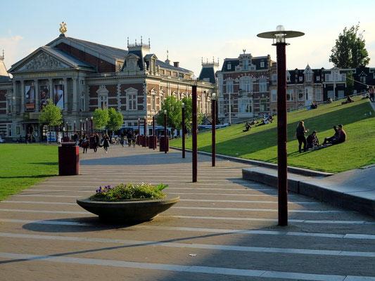 Koninklijk Concertgebouw, 1888 eröffnet