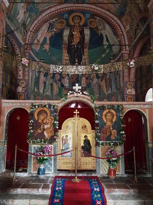 Kloster Podmaine, Ikonostase und Fresken in der Apsis