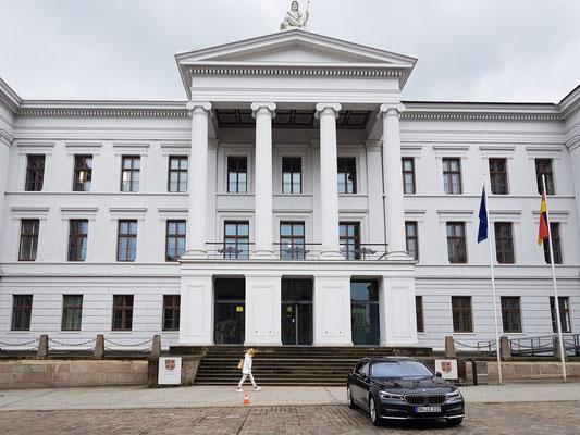 Staatskanzlei mit Sitz der Ministerpräsidentin Manuela Schwesig (2020)