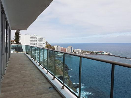 Best Semiramis, Nördliche Außengalerie, Blickrichtung nach Westen in Richtung Puerto de la Cruz