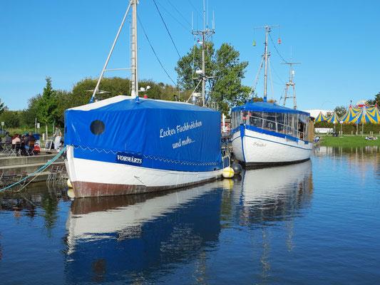 Fischerboote im alten Stadthafen
