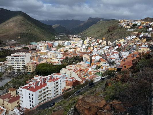 Blick vom Parador hinunter zur Inselhauptstadt San Sebastián de la Gomera