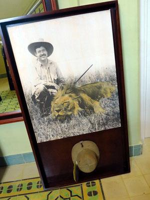 Ausstellungsstücke zur Erinnerung an Hemingway