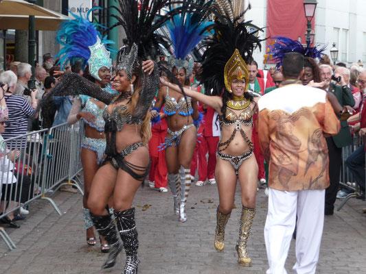 CHIO Stadtfest, Samba-Tänzerinnen, Gäste aus Brasilien