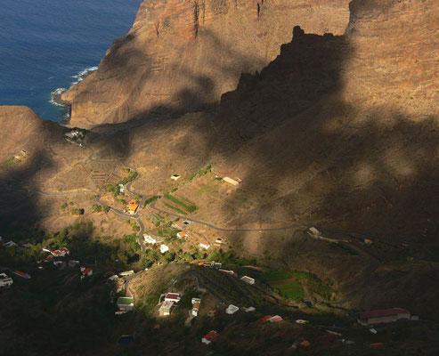 Blick vom Mirador del Santo bei Arure auf Tagaluche und den Barranco de Guariñén