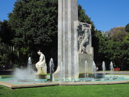Zentrales Denkmal zur Erinnerung an Santiago García Sanabria im Park Sanabria