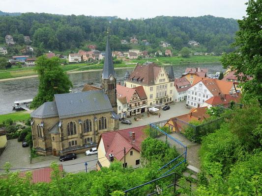 Stadt Wehlen, Blick vom Schlossberg auf Markt und Radfahrerkirche