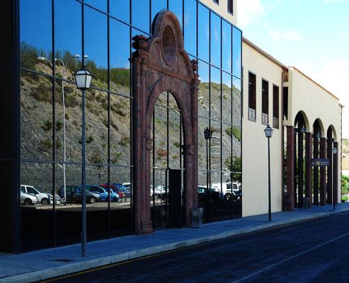 Eingang des neuen Aeropuerto von La Gomera