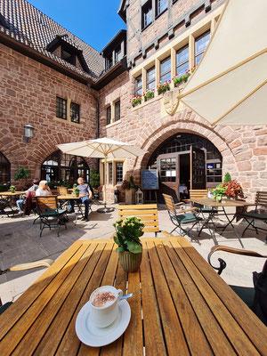 Im Innenhof des Romantik Hotels auf der Wartburg