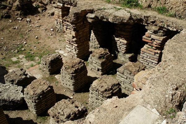 Römische Fußbodenheizung in Perge, Südbäder