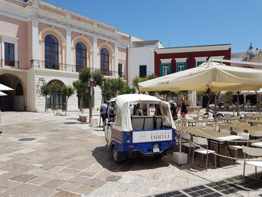 Piazza Giuseppe Garibaldi in der Altstadt von Monopoli
