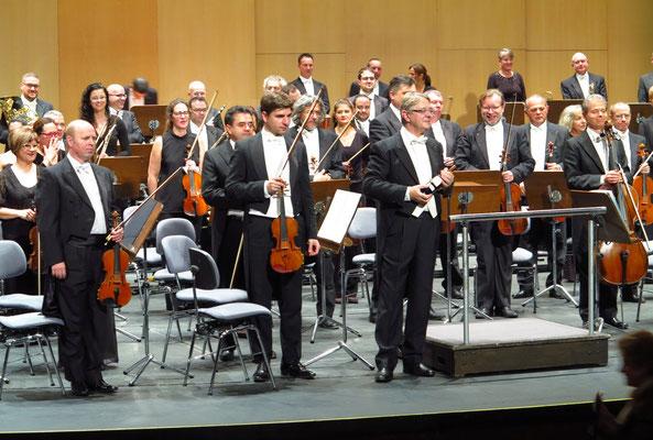 Applaus für Víctor Pablo Pérez und das Orchestra Sinfónica de Tenerife