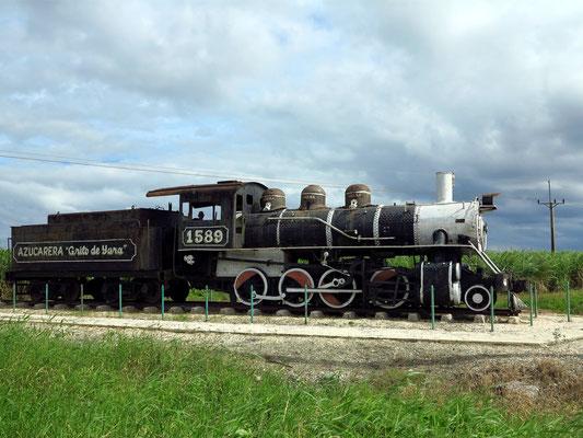 Alte Dampflokomotive für den Transport von Zuckerrohr