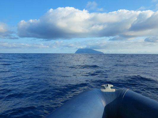 Überfahrt mit dem Zodiac-Schlauchboot nach Corvo