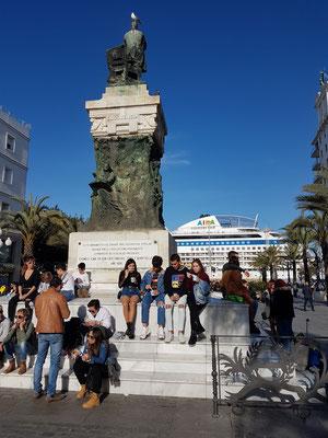 Denkmal für Segismundo Moret y Prendergast auf der Plaza de San Juan de Dios
