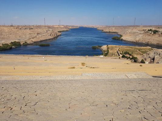 Assuan-Staudamm, Panoramablick vom Staudamm in Richtung Norden