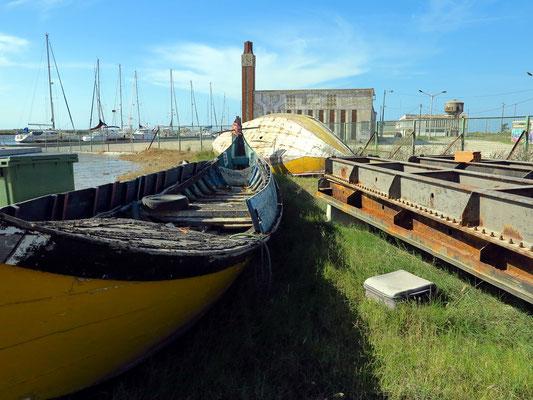 Yachthafen und Gebäude des ehemaligen Fischgroßhandels