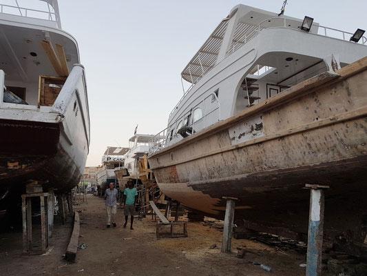 Alte Werft neben der El Mina Moschee