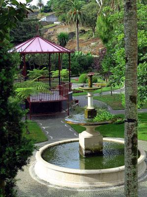 Park Jardim Duque de Terceira (Jardim Público), Blick aus unserem Zimmer im 2. Geschoss des Angra Garden Hotels