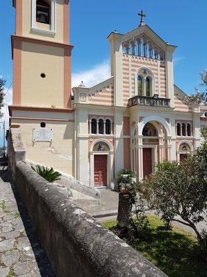Chiesa San Pancrazio Martire  mit spektakulären Aussichten auf die Amalfiküste
