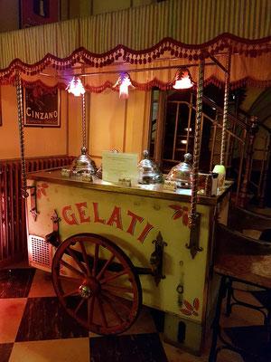 Italienischer Speiseeiswagen