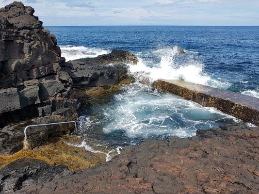 Meeresschwimmbecken bei Cabrito an der Ponta Negra