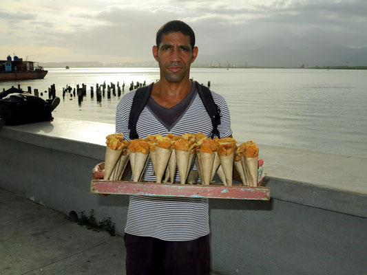 Fliegender Händler am Malecón