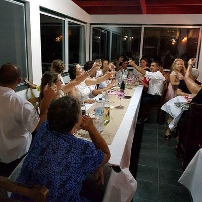 Hochzeitsgesellschaft im Restaurante Ponta da Ilha