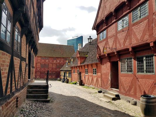 Giebelhaus mit Stockwerksvorsprüngen, um 1600, typisches Fachwerk der Renaissance