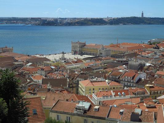Castelo de São Jorge, Blick zur Praça do Comércio