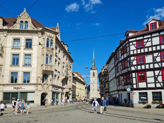 Erfurt. Blick vom Domplatz in die Marktstraße mit der Allerheiligenkirche