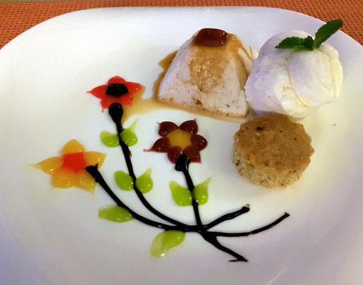 3. Gang: Gelee de arroz con leche caramelizado, financier de canela y helado de vainilla