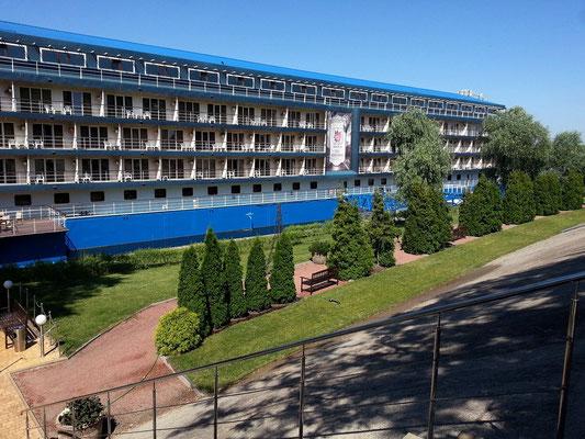 Bakkara Hotel am Dnipro (Landseite)