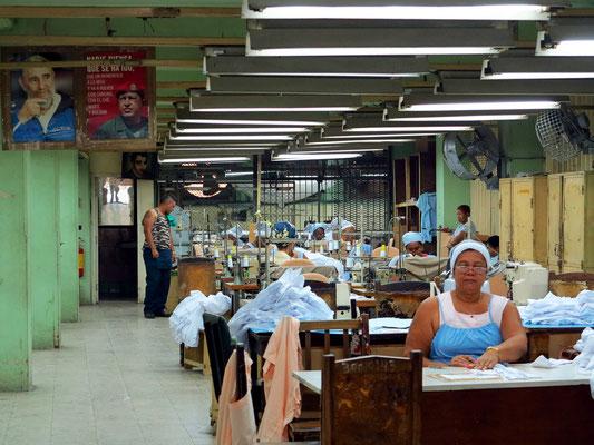 Fabrik mit Näherinnen in der Calle Francisco Vicente Aguilera