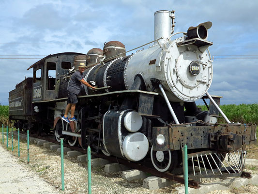 Alte Dampflokomotive für den Transport von Zuckerrrohr