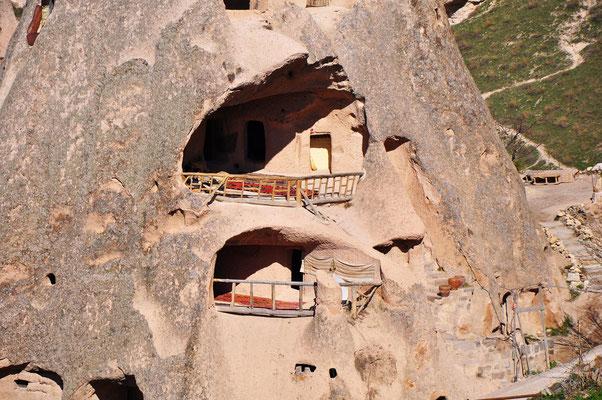 Wohnhöhlen im Tuffstein