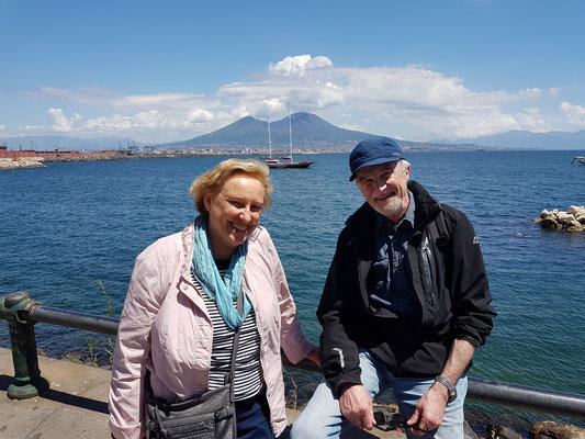 Rosemarie und Hartmut am Belvedere (Via Nazario Sauro)