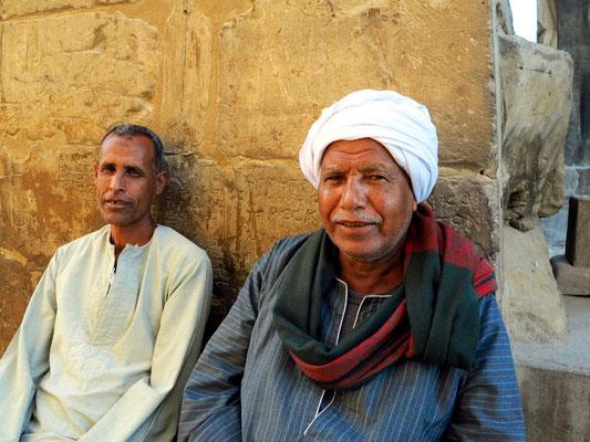 Zwei Wächter der Tempelanlage