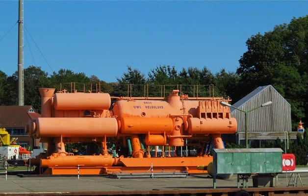 """Das Unterwasserlabor """"Helgoland"""" auf dem Freigelände des Nautineums in Stralsund"""