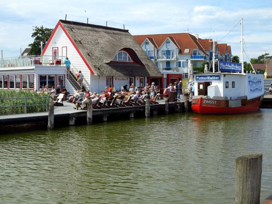 Hafen von Zingst, mit Futter-Kutter