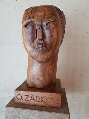 Ossip Zadkine, Frauenkopf, Holz 1922